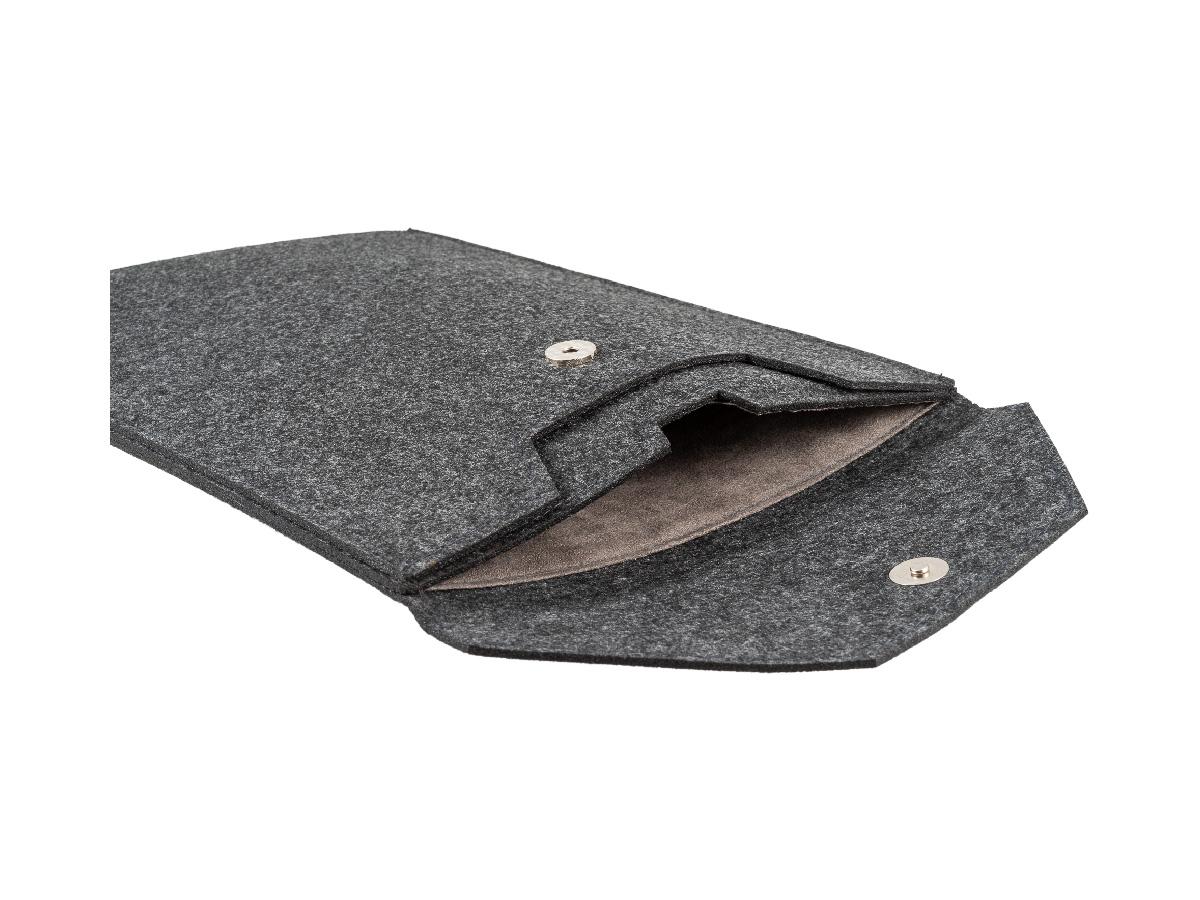 Empty open diagonal Stafford Laptop Sleeve Felt
